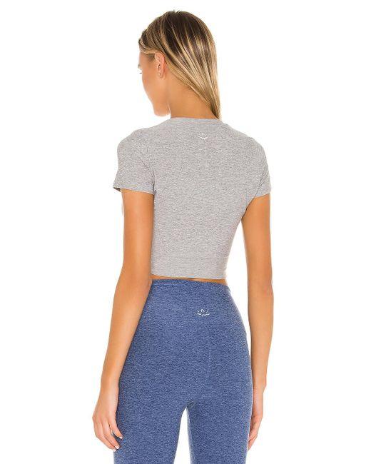 Beyond Yoga Under Over クロップtシャツ Gray
