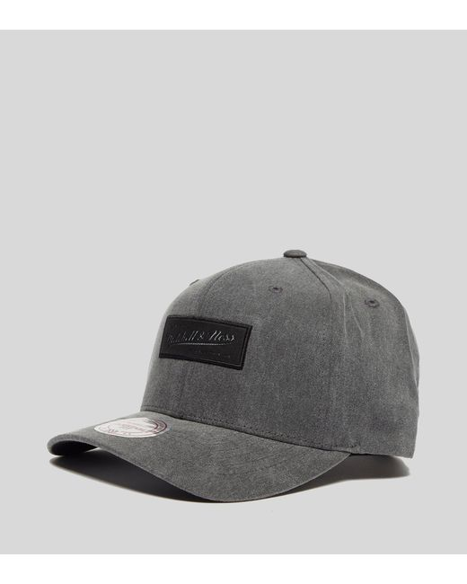 972d518ebfd Mitchell   Ness - Gray Washed Heather Curved Peak Cap for Men - Lyst ...