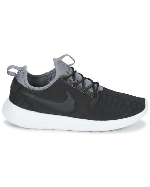 best service 0609a 40d05 Roshe Two Se W Women's Shoes (trainers) In Black