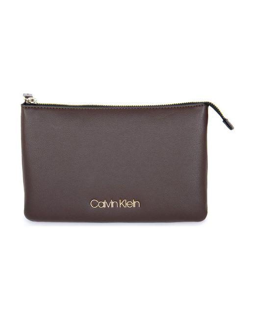 BAO CROSSBODY Sac Bandouliere Calvin Klein en coloris Brown