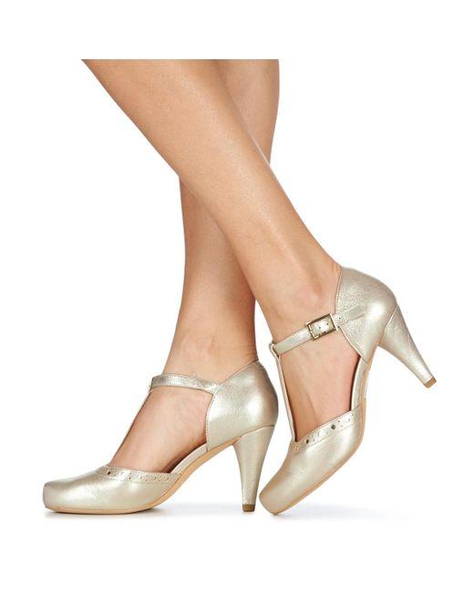 dolor de estómago Whitney a pesar de  Clarks Dalia Leah Court Shoes in Silver (Metallic) - Lyst