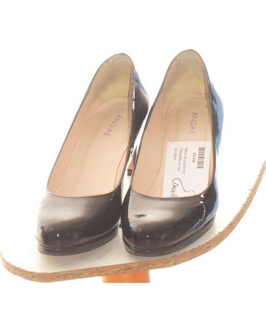 Paire D'escarpins 39 Chaussures escarpins André en coloris Black