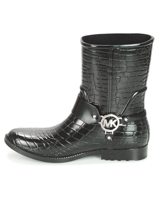 f3877b50120 ... MICHAEL Michael Kors - Black MK CROCO RAIN BOOTIE femmes Bottes en Noir  - Lyst ...