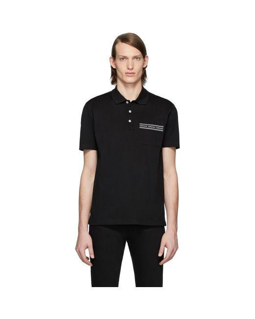 メンズ Versace ブラック ロゴ テープ ポロ Black