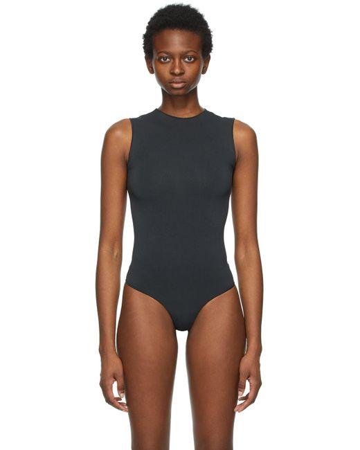 Skims ブラック Essential Thong ボディスーツ Black