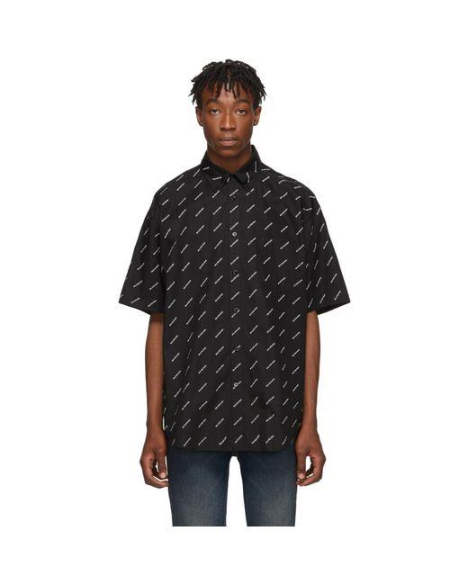 メンズ Balenciaga ブラック And ホワイト オールオーバー ロゴ ショート スリーブ シャツ Black