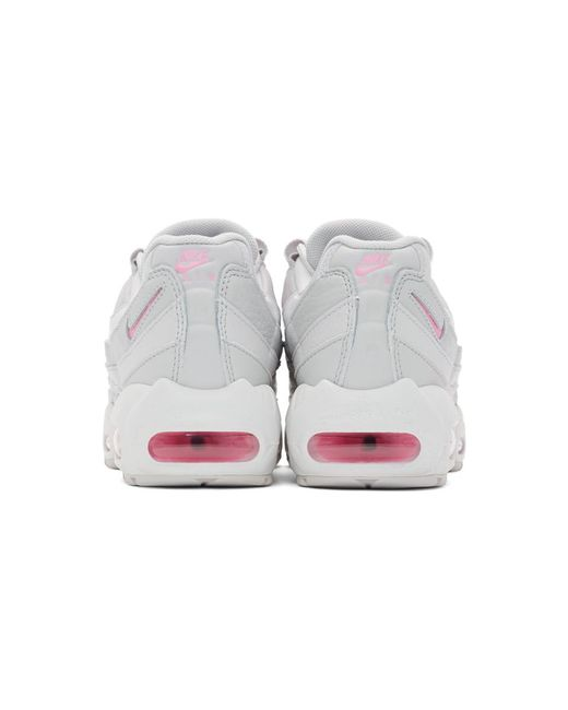 meet 9ee08 390f1 Women's Gray And Pink Air Max 95 Se Sneakers