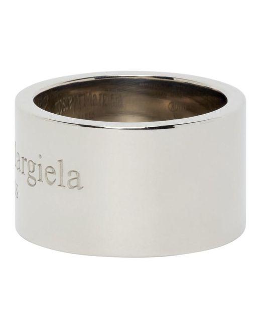 メンズ Maison Margiela シルバー ポリッシュ ワイド ロゴ リング Metallic