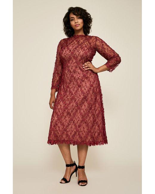 Women\'s Red Binx Embroidery Tea-length Dress - Plus Size