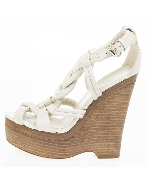 46fe8a97b ... Gucci - Off White Leather Kotao Wedge Sandals Size 36 - Lyst ...
