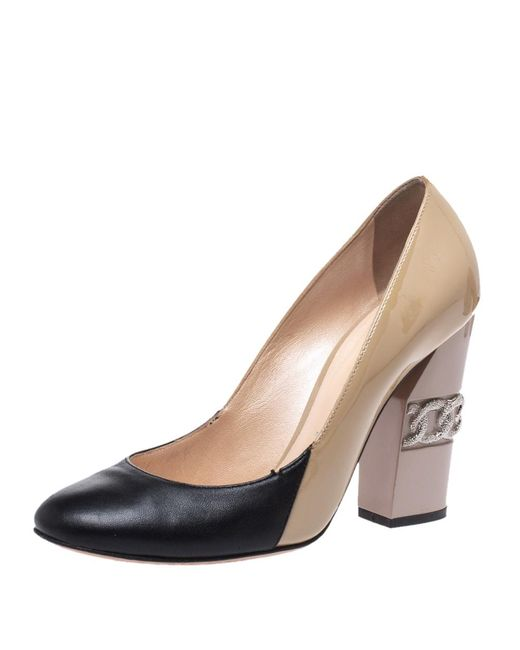 Casadei Natural Beige/black Patent And Leather Chain Motif Heel Round Toe Pumps