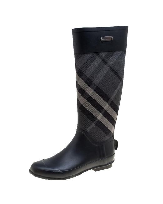 046a2247907 Burberry - Black Rubber And Beat Check Fabric Rain Boots Size 36 - Lyst ...
