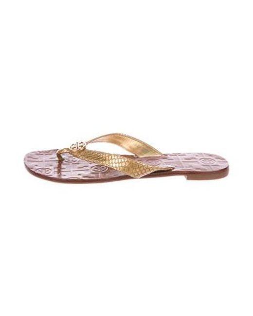36500d705ec9 Tory Burch - Metallic Thora Thong Sandals - Lyst ...