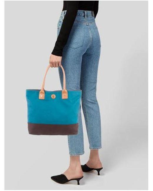 90bc28d33fac ... Tory Burch - Metallic Leather Shoulder Bag Blue - Lyst ...