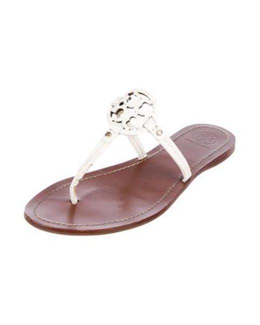 24c96f69b63 ... Tory Burch - Metallic Leather Thong Sandals White - Lyst ...