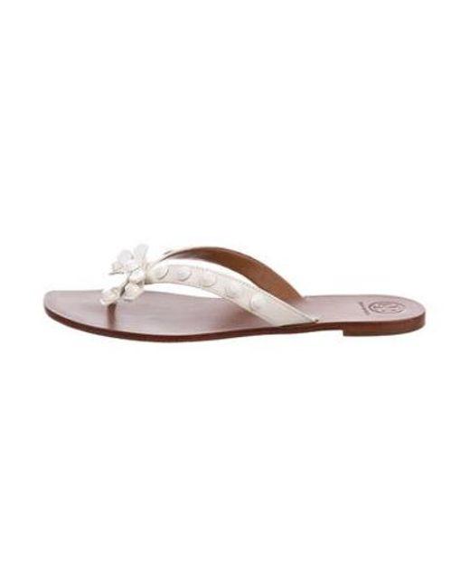 ea010d730fbd9 Tory Burch - White Aurora Thong Sandals - Lyst ...
