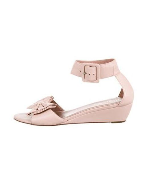 1cde8b3c7762 RED Valentino - Pink Leather Bowtie Sandals - Lyst ...