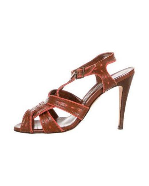 f7c2af4153a Manolo Blahnik - Brown T-strap Leather Sandals Coral - Lyst ...