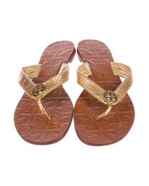 0195a7752dfd ... Tory Burch - Metallic Thora Thong Sandals - Lyst ...