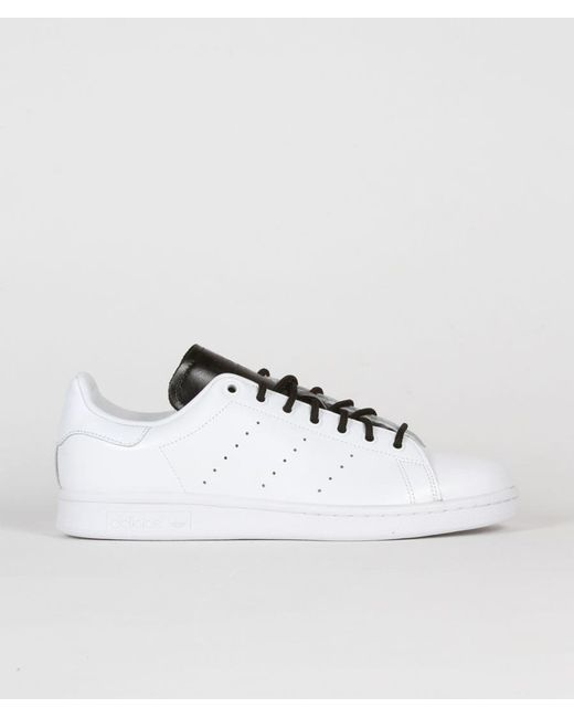 another chance f434e c9a2c Men's White And Black Leather Originals Stan Smith Shoes