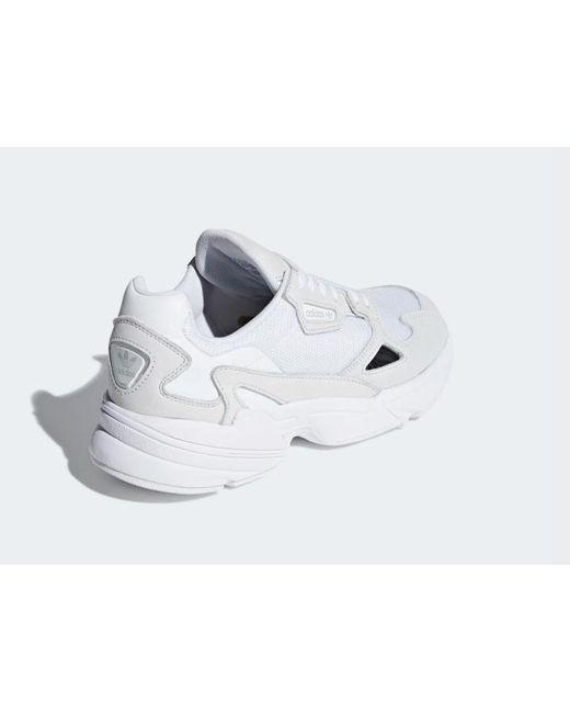 Chaussures Falcon pour femmes Daim adidas en coloris Blanc - Lyst