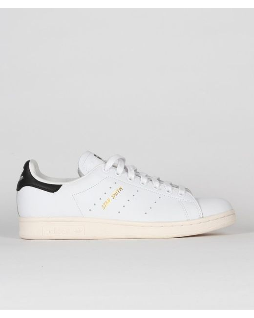 another chance bbb30 d3c90 Men's White And Black Leather Originals Stan Smith Shoes