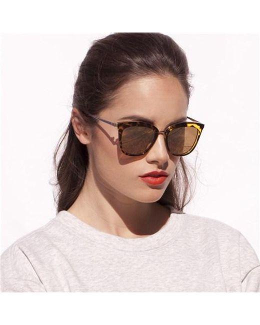 Occhiali da sole Caliente Toffee Tortoise Cat Eye di Le Specs in Brown