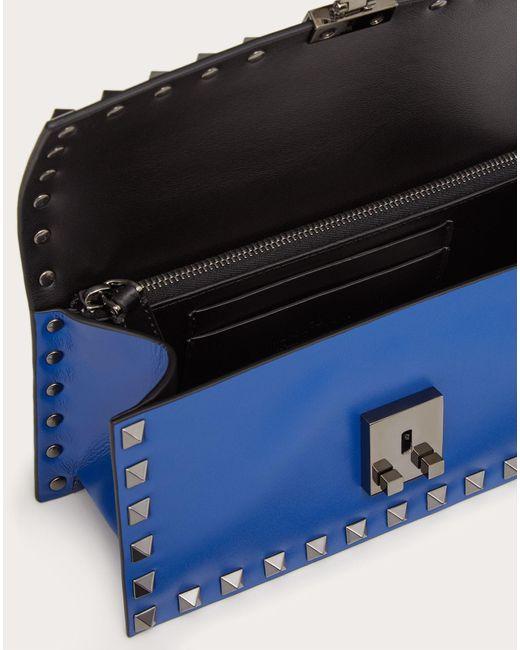 メンズ Valentino Garavani ロックスタッズ レザー スモール クロスボディバッグ Blue