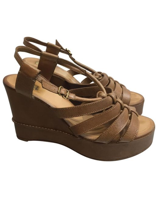 Chloé - Brown Pre-owned Camel Leather Sandals - Lyst