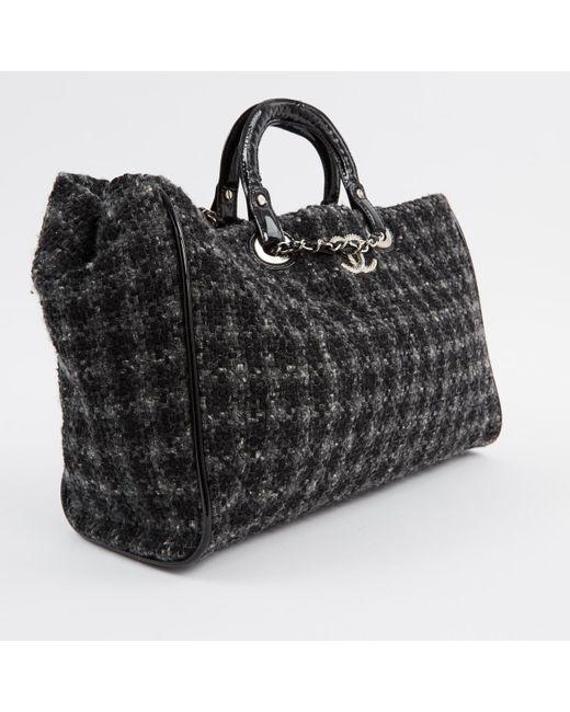 39130b1c1bcd ... Chanel - Gray Pre-owned Grey Cloth Handbags - Lyst ...