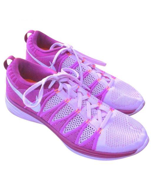 Nike Deportivas Flyknit Racer de mujer de color rosa