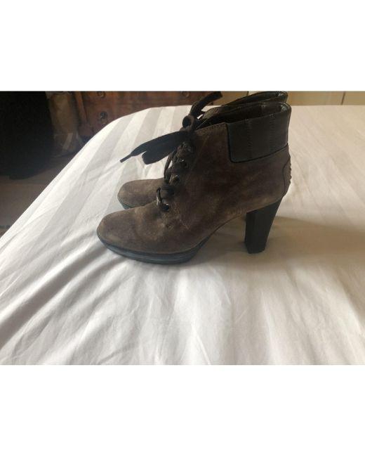 Tod's Stivali con stringhe da donna di colore marrone