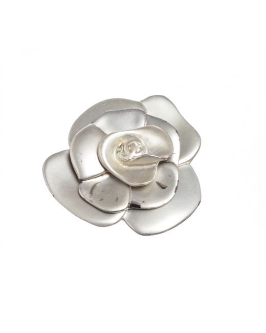 Chanel - Metallic Pre-owned Vintage Silver Metal Pins & Brooches - Lyst
