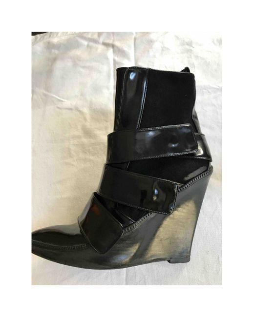 Givenchy Botas de Charol de mujer de color negro