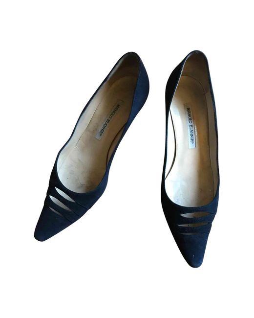 Escarpins daim bleu Manolo Blahnik en coloris Blue