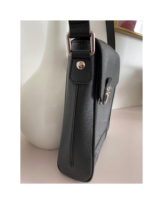 Sac en bandoulière en cuir cuir noir Louis Vuitton en coloris Black
