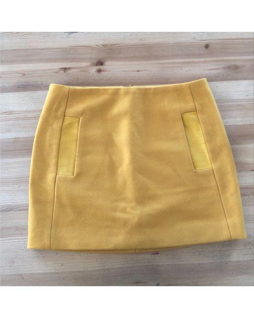 Jupe courte laine jaune Maje en coloris Multicolor