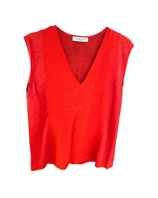 Top, tee-shirt soie/lin/poliester rouge Sandro en coloris Red