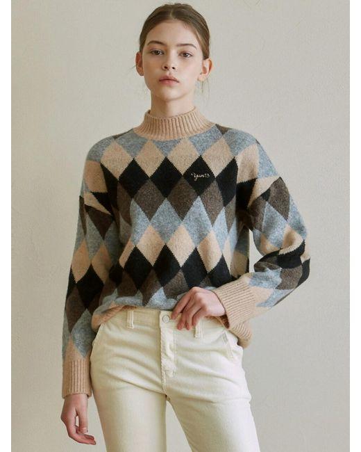YAN13 Natural Argyle Mock Neck Sweater