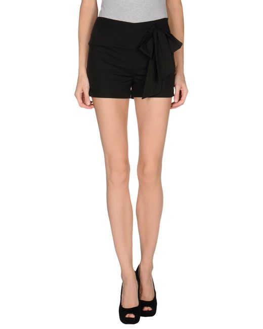 L'Autre Chose Black Shorts
