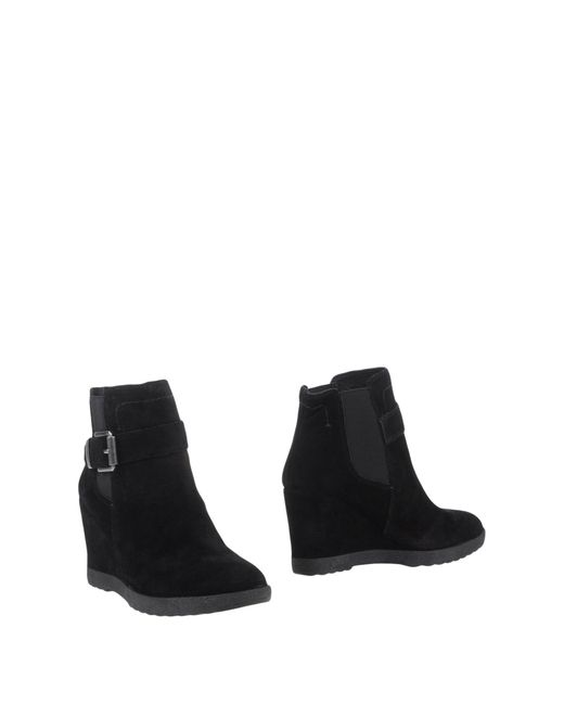 Vince Camuto | Black Jody Flat Ankle Boots | Lyst