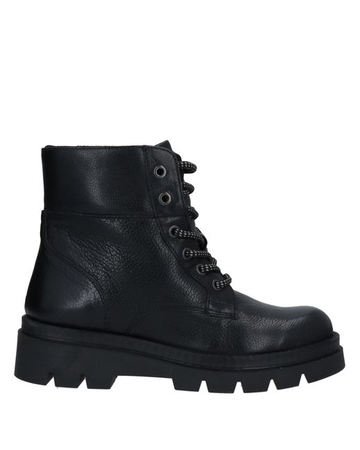 Manas Black Ankle Boots