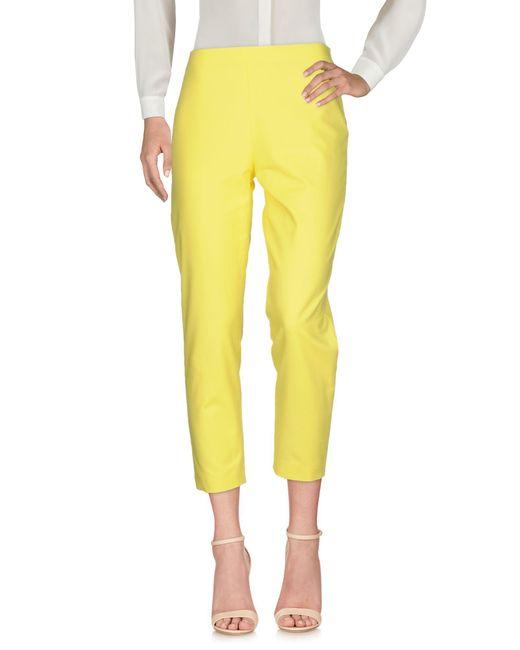 Pantalones Moschino de color Yellow
