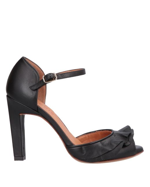 Escarpins Chie Mihara en coloris Black