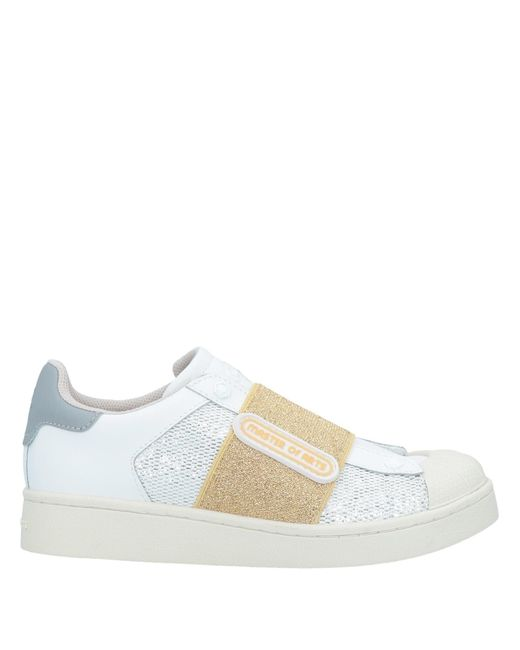 MOA White Low-tops & Sneakers