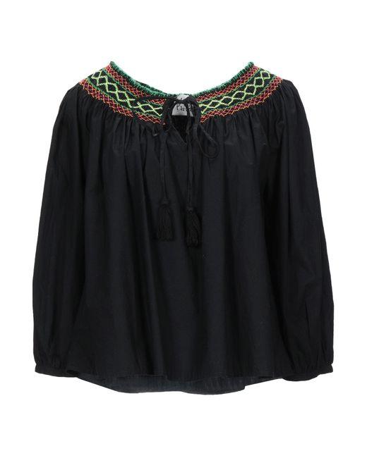 Blusa Attic And Barn de color Black