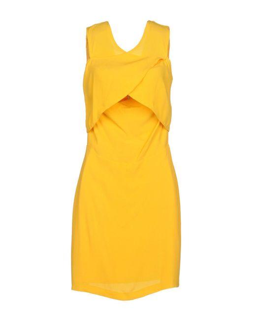 Robe courte Sandro en coloris Yellow
