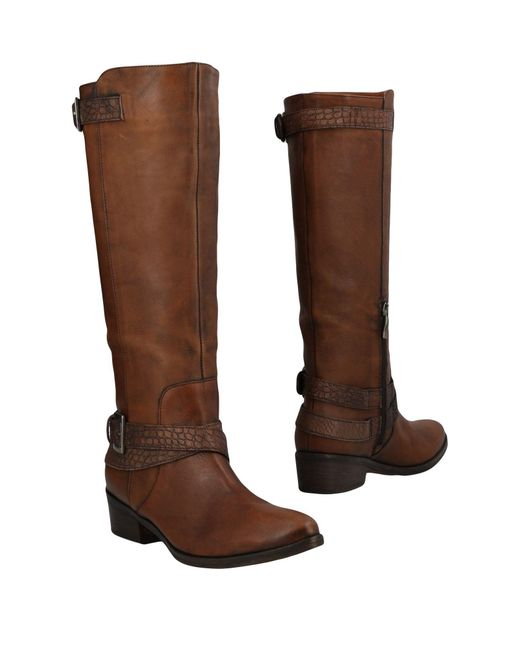 Janet & Janet Brown Boots
