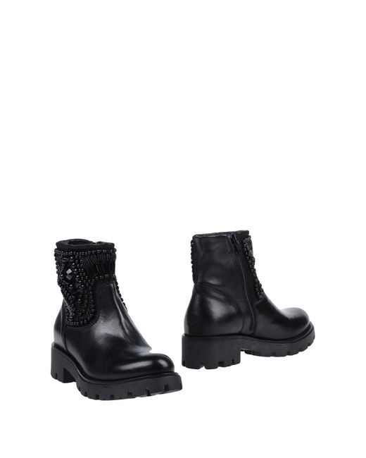 Tosca Blu - Black Ankle Boots - Lyst