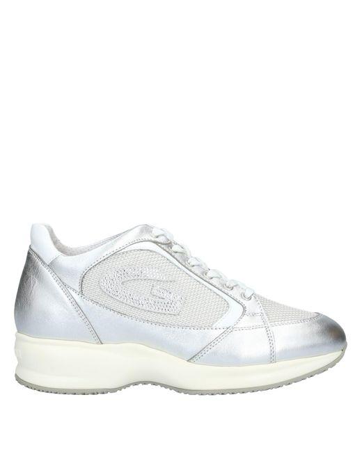 Alberto Guardiani Sneakers & Deportivas de mujer de color metálico